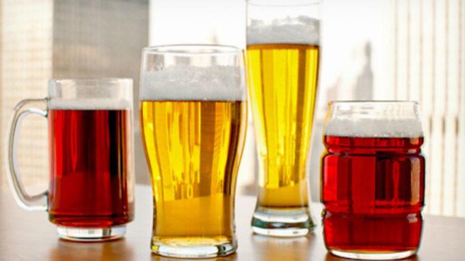 Verschiedene Pint Gläser