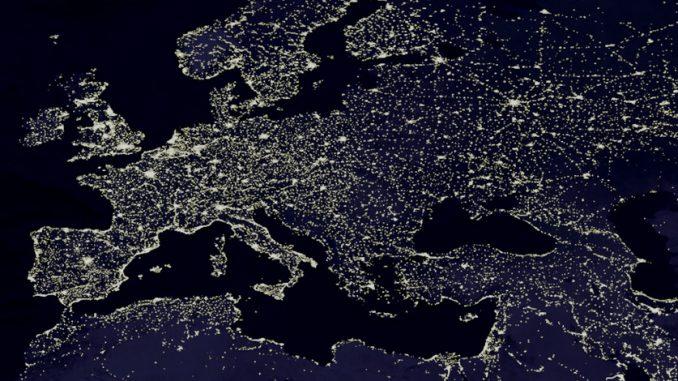Europa bei Nacht aus dem All