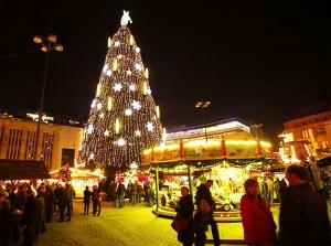 Der größte Weihnachtsbaum zieht jährlich viele Besucher an
