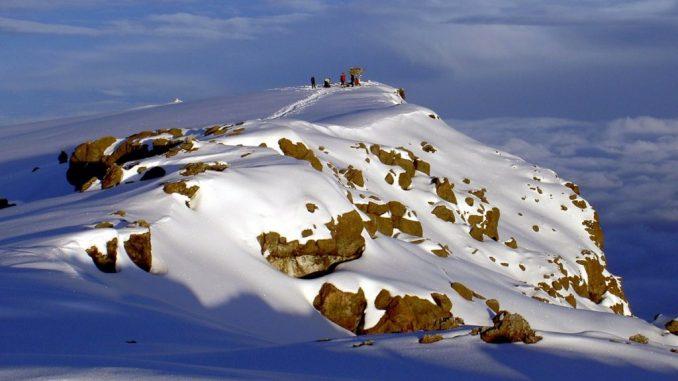 Auf dem Gipfel des Kilimandscharo