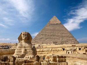 Die Cheops Pyramide und die Sphinx