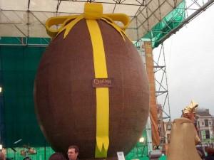 Welcher Osterhase legt solch riesige Eier